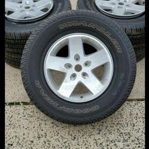 5 Jeep Wheels And Tires 255/75/17 for Sale in Alexandria, VA