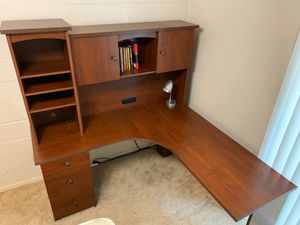 UK King Sized Bed & L Shaped Desk with Hutch for Sale in Dallas, TX