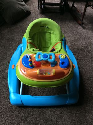 Dream On Me Baby Walker Musical with removable tray for Sale in Baden, PA