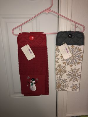Christmas hanging towels for Sale in Apple Valley, CA