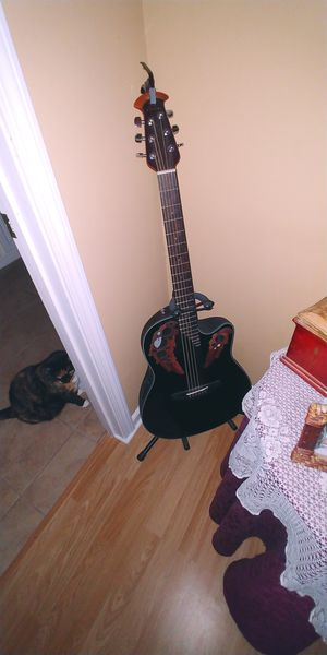 BEAUTIFUL OVATION CUT AWAY ACOUSTIC GUITAR for Sale in Kennesaw, GA