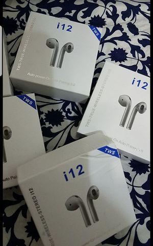 Auriculares inhalambricos bluetooh for Sale in Miami, FL