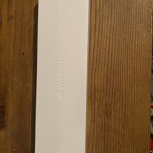 Apple Watch Series 6 GPS + Cellular 40mm Gold Aluminum Case w/Pink Sand Sport Band for Sale in Elk Grove, CA