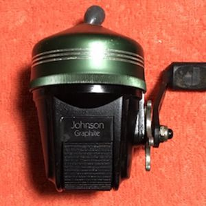 Johnson Fishing Reel for Sale in Glendale Heights, IL