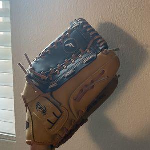 Baseball /softball Glove for Sale in Gardena, CA