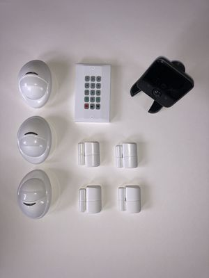 HOME SECURITY SYSTEM EQUIPMENT for Sale in Yorkville, IL