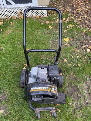 YARD MACHINE LEAF BLOWER COMMERCIAL RESIDENTIAL POWERFUL YARD MACHINE for Sale in Trumbull, CT