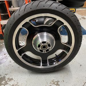 Street Glide Front Wheel/tire for Sale in SeaTac, WA