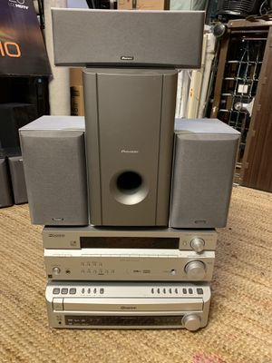 Home Theater pioneer with 5 DVD for Sale in Centreville, VA