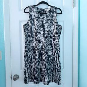 Michael Kors Zebra Flare Dress Black & White Size 16 for Sale in St. Petersburg, FL