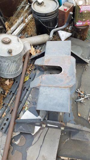 Husky 24K fifth wheel hitch for Sale in Turlock, CA