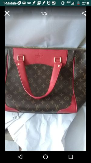 Louis Vuitton hand bag for Sale in Pittsburgh, PA