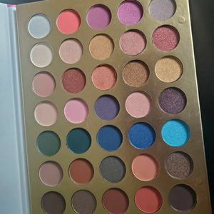 SECRET OF BEAUTY PALETTES for Sale in Anaheim, CA