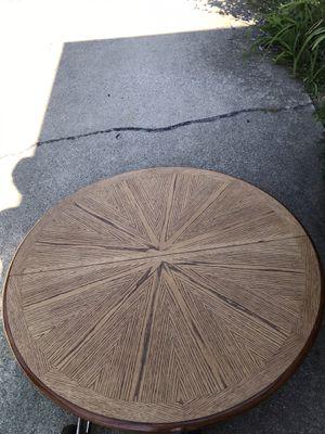Round kitchen table. for Sale in Des Plaines, IL