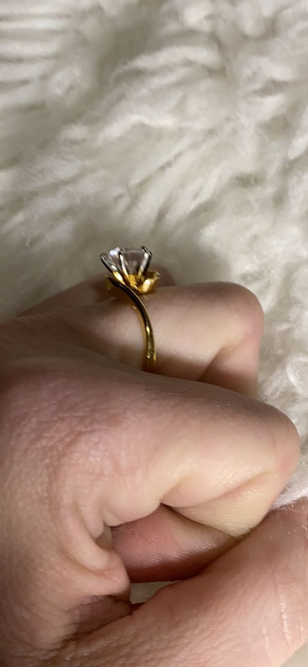18K GOLD PLATED SIZE 8 RING