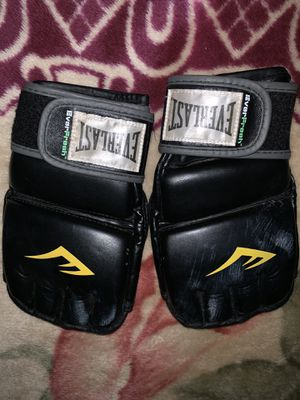 Everlast UFC gloves for Sale in Moreno Valley, CA