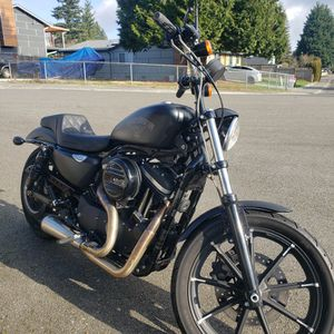 2017 Harley Davidson XL883N (Iron883) sportser. I Have Over $12,700 Into This Bike and It Is In Basically New Condition With Super Low Miles.. 2,217 for Sale in Lynnwood, WA