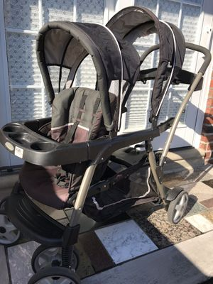 Graco Ready2Grow Click Connect Double stroller (sit and stand) for Sale in Philadelphia, PA
