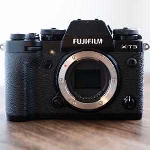 Fujifilm X-T3 Mirrorless Camera Body w/ Extras for Sale in Napa, CA