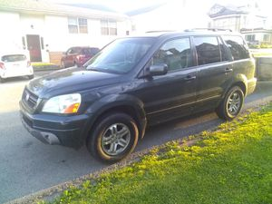 2003 Honda pilot great condition awd ,automatic, DVD system. Trailor hitch 230kmi for Sale in Grafton, WV