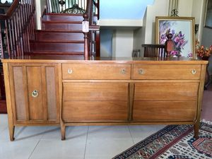 "Mid Century or Vintage Lowboy Dresser / TV Stand / Credenza / Server / Sideboard / Credenza - Length: 72"" Width: 19"" Height: 30.5"" for Sale in Barrington, IL"
