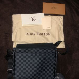 Louie Vuitton District Damier Graphite MM for Sale in Henderson, NV