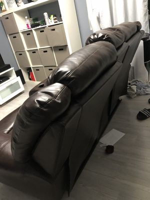 2 seat reclining couch for Sale in Fremont, CA