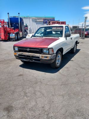 TOYOTA TACOMA 1994* PICK UP 1/2 * TRANSMISSION STICK SHIFT* 4 CILINDERS* IT RUNS AND DRIVES GOOD* for Sale in Las Vegas, NV
