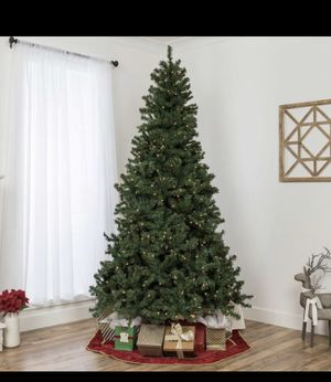 Pre lit Christmas Tree for Sale in Folsom, CA