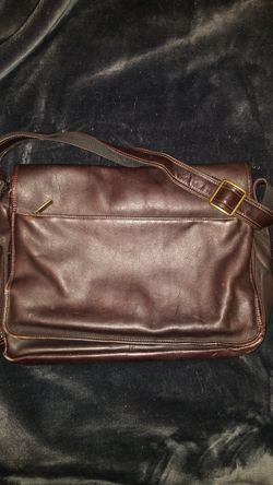 Messenger crossbody Leather Bag for Sale in Woodburn,  OR