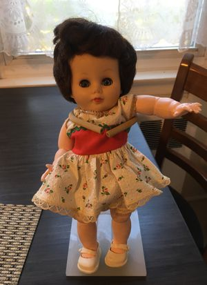 Antique Doll for Sale in Bellmawr, NJ
