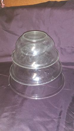 Pyrex vintage mixing bowls clear for Sale in Bakersfield,  CA