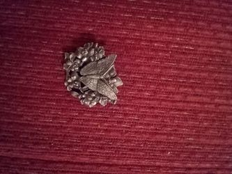 Birds and Blooms limited edition pewter pin brooch for Sale in Strongsville,  OH