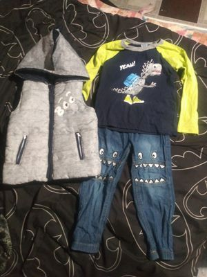 Toddler 4T dino outfit for Sale in Wichita, KS