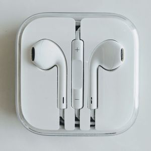 EarPods with 3.5 mm Headphone Plug for Sale in Holly Springs, NC