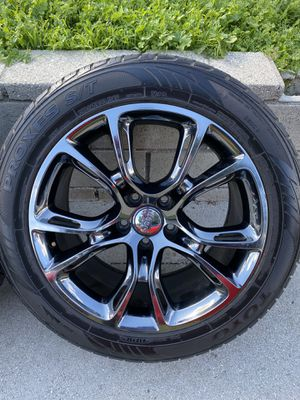 """Jeep Srt 2015 wheels 20"""" OEM for Sale in Los Angeles, CA"""