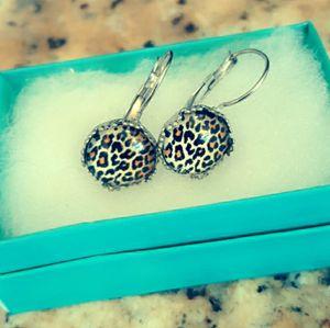 Avaya Designs Animal Print Earrings for Sale in Wichita, KS