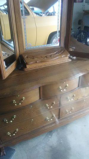 Solid bedroom dresser for Sale in Hanford, CA