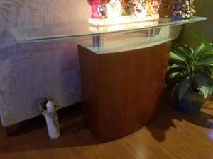 Entry Table like New $150.00 marked down to $100.00. for Sale in St. Louis, MO