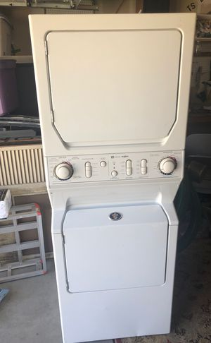 Maytag Stackable Washer & Dryer for Sale in Fresno, CA