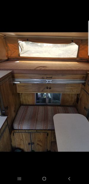 1983 palomino pop up truck camper for Sale in Fresno, CA