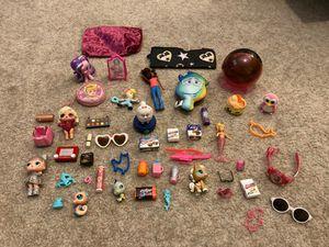 60 Piece Toy Lot LOL SURPRISE/5 SURPRISE for Sale in Laveen Village, AZ