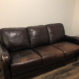 $20 Leather Couch for Sale in Maple Valley, WA