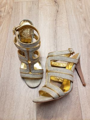 Tory Burch Gold Metallic Canvas Strappy Heel 7.5 for Sale in Snohomish, WA