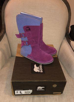 New in box girls/women's Sorel winter boots from REI size 6 for Sale in Mill Creek, WA
