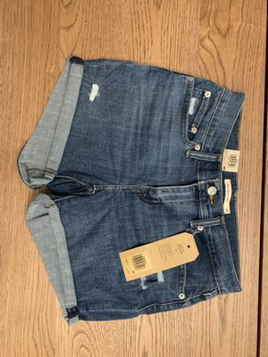 Levis shorts, brand new w tags, size 28 for Sale in Union City, CA