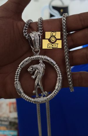 20,24 & 28inch 🚨🚨🚨 14k white Gold plated Franco Chain and bracelet set🚨🚨🚨 I Deliver for Sale in Miami, FL