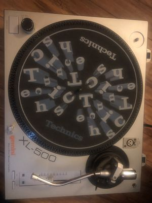Gemini XL-500 direct drive turntable record player w/technics slipmat for Sale in Los Angeles, CA