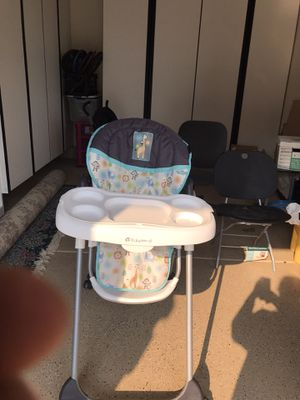 Baby trend adjustable high chair for Sale in Riverside, CA