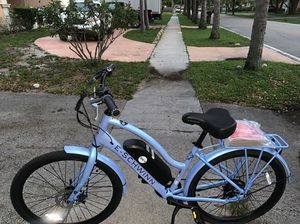 Schwinn EC1 electric cruiser-style bicycle; 26-inch wheels, 7 speeds, blue for Sale in Lauderdale Lakes, FL